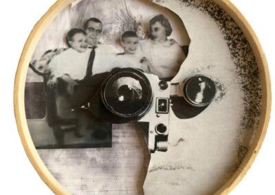 Wanda Janota - Gezin - 2019 - assemblage - diameter 20 cm x 1 cm